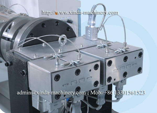 PVC cable trunk making machine