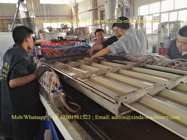 PVC hollow tile making machine